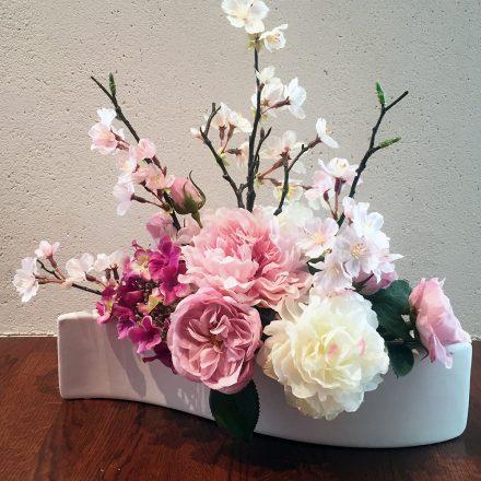 桜と春のお花のモダンアレンジメント