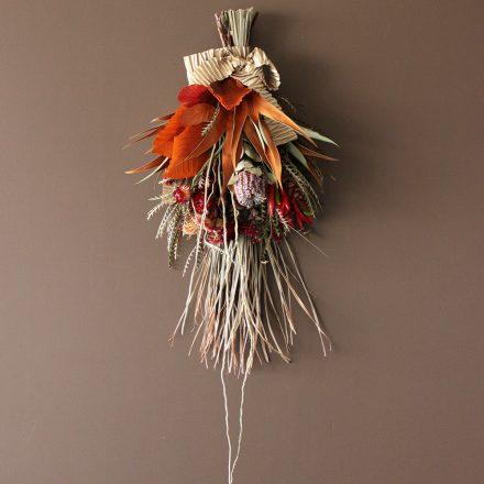 ドライフラワーで作る秋のドア飾り