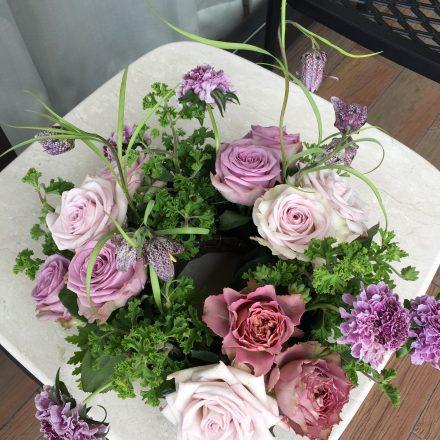 バラとハーブのガーデンスタイルアレンジメント